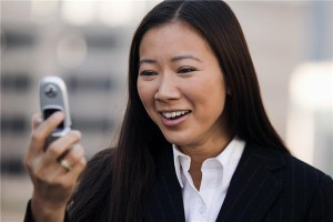 Brafton has reported that holiday shoppers increasingly turned to their smartphones to find information about nearby businesses in 2010, and the Mobile Marketing Association expects mobile devices will continue to […]