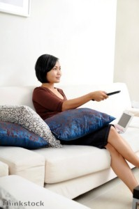 A new survey from Harris Interactive reveals that Americans frequently shop online while watching television.