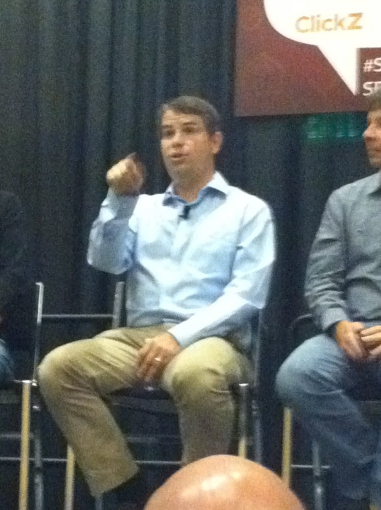 Matt Cutts answers a question at SES San Francisco.